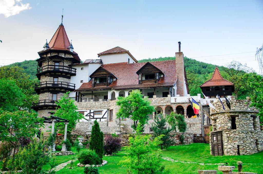 Castelul Lupilor Hunedoara